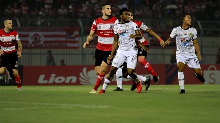 Kalah dari Madura United, Rahmad Darmawan Meminta Skuadnya Menjaga Motivasi Bermain