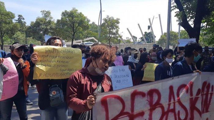 Ratusan Mahasiswa di Bekasi Gelar Demonstasi Minta Pembebasan Biaya Kuliah
