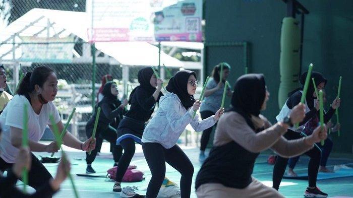 Mahasiswa sedang beraktivitas di IBLAM Multisports Center