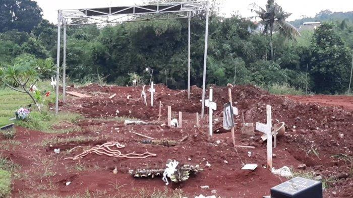 Makam korban virus corona di TPU Jombang, Ciputat, Tangsel.