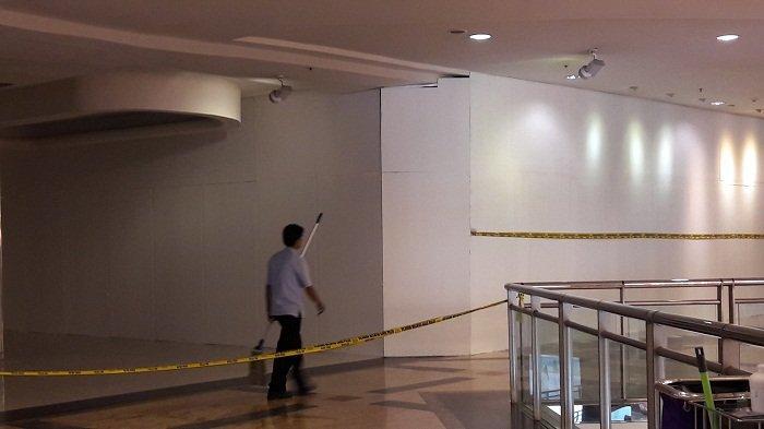 Setelah Ledakan Gas, Area Food Court  Mal Taman Anggrek Ditutup Polisi