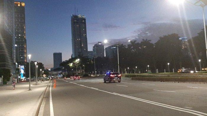 Jelang Malam Takbiran, Jalan Jenderal Sudirman Senayan Ramai Lancar, Cenderung Lengang