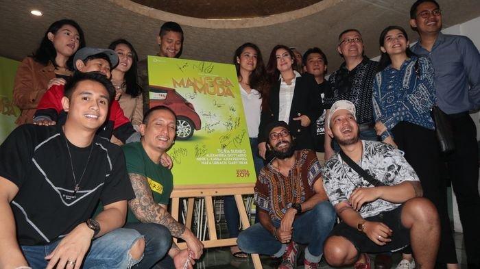 Mangga Muda Beberkan Kehidupan Nyata Masyarakat Indonesia dalam Film  Layar Lebar