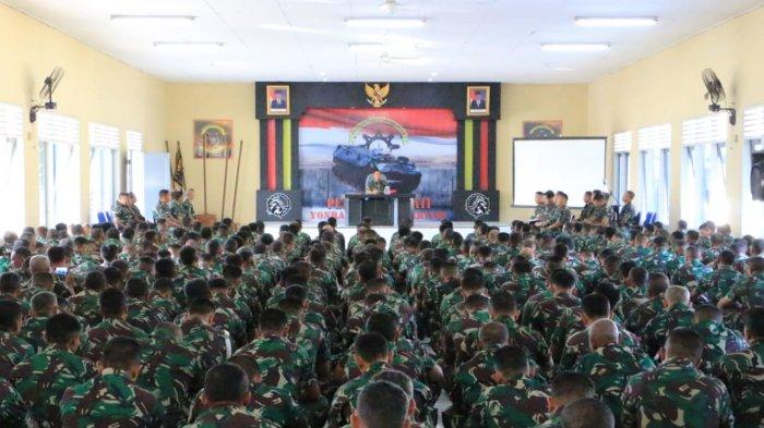 Prajurit Marinir Ikuti Lomba Marathon 5 K Di Surabaya