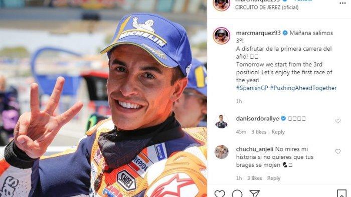 Marc Marquez menunjukkan tiga jarinya usai kualifikasi GP Spanyol. Marc memang berada diurutan ketiga babak kualifikasi.