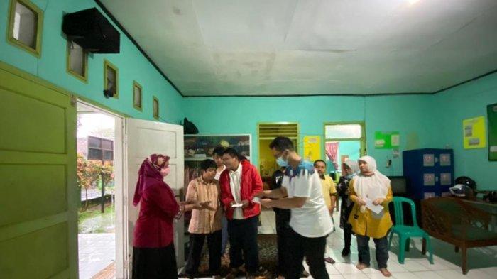 Penyandang Disabilitas Sukabumi Terdampak Pandemi, Dapat Bantuan dari Siswa SMA Amerika Serikat