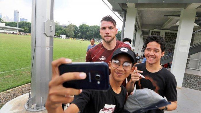 Marko Simic Lelang Medali Juara Liga 1 2018 untuk Bantu Perangi Virus Corona