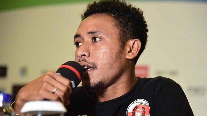 Marten Merowi Raweyai Habis-habisan di Laga Kontra Persib Bandung