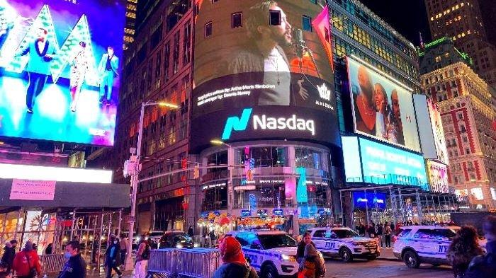 Wajah Maruli Tampubolon terpampang di layar raksasa di pusat bisnis terkenal dunia di Times Square, New York, Senin (28/12/2020) dan Minggu (3/1/2021).