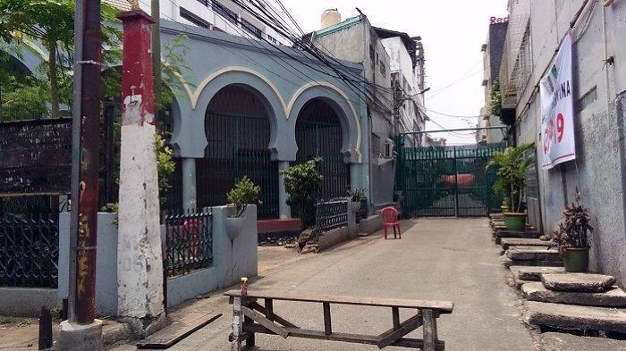 Pilih Isolasi Mandiri, Pemerintah Kirim Petugas Kesehatan untuk Jemaah Masjid Jami' Kebon Jeruk