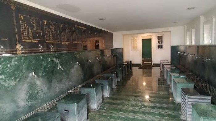 Terinspirasi Masjid Nabawi, Masjid Ramlie Musofa Sediakan Lift dan Tempat Duduk di Area Wudu