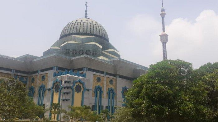 Masjid Raya Jakarta Islamic Centre Terapkan Prokes dengan Membatasi Jumlah Jemaah Salat Idul Fitri