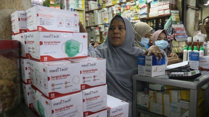 Kios ini Ketahuan Jual Masker Rp 500 ribu Per Boks di Pasar Pramuka, Manajemen Kasih Sanksi Tutup
