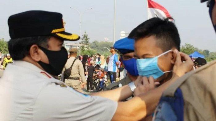 Update Covid-19 di Bogor: Satpol PP Jaring Puluhan Warga Tak Bermasker di Stadion Pakansari