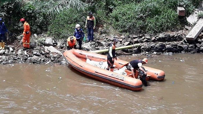 Sempat Dikira Boneka, Mayat Perempuan Tanpa Identitas Ditemukan di Kali Ciliwung
