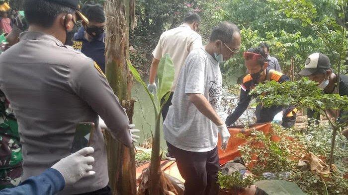 BREAKING NEWS: Penemuan Mayat Pria di Kali Palayangan Ciledug Dalam Kondisi Membusuk