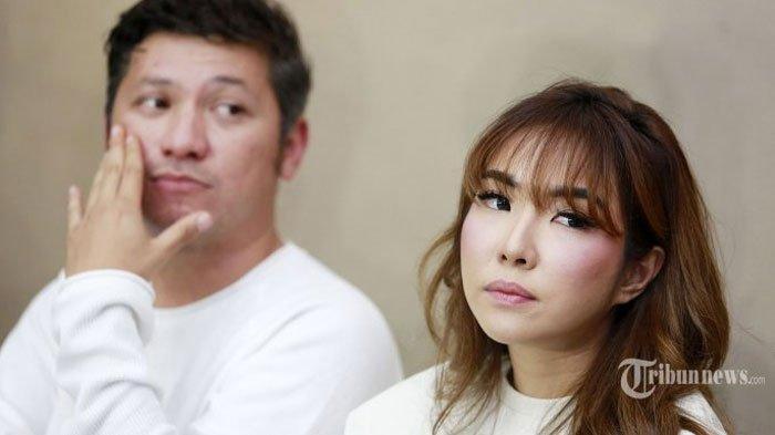 Fakta Perceraian Gisella dan Gading Marten, Mulai Hilangnya Cincin Kawin Sampai Jual Mobil. (Tribunnews.com)