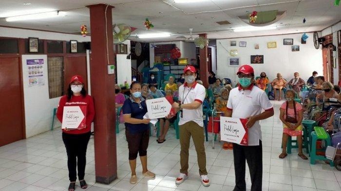 Meccaya mengadakan program Corporate Social Responsibility (CSR) bertema #PeduliLansia.