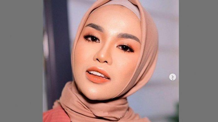 Saling Sindir di Instagram dengan Zaskia Sungkar, Medina Zein Akui Terpancing