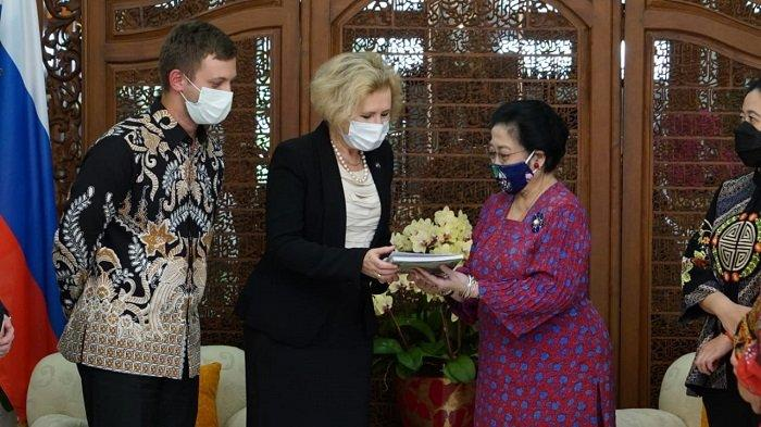 Dapat Penghargaan dari Vladimir Putin, Megawati Ingin Indonesia-Rusia Kerja Sama Riset Luar Angkasa