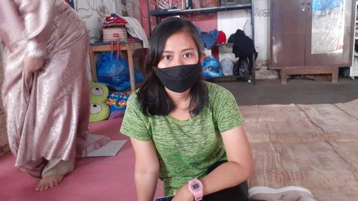 Malang nian nasib yang melanda Melinda beserta keluarga. Rumahnya yang berlokasi di RT 04 / RW 03 Jalan Akasia, Kelurahan Tajur, Kecamatan Ciledug, Kota Tangerang dipagari beton.