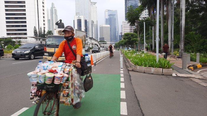 Sempat Tersendat Padatnya Jalan Raya Kini Pedagang Starling Bebas Gowes, Tak Dikejar Satpol PP Lagi