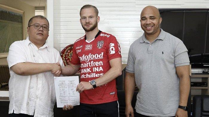 Melvin Platje Resmi Dikontrak Bali United Hingga 2019