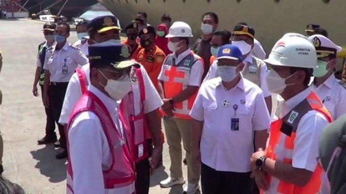 Menteri Perhubungan Tinjau Pelabuhan Tanjung Priok Saat Larangan Mudik Berlaku