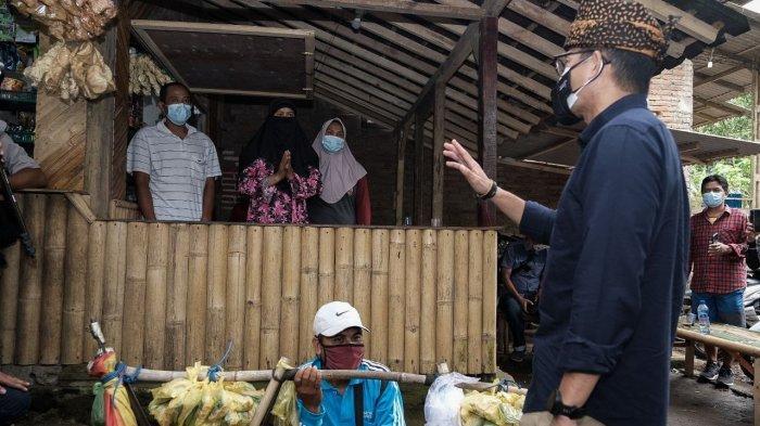 Sandiaga Uno Ditodong Karpet Masjid untuk Pendaki Semeru, Dua Jam Langsung Datang