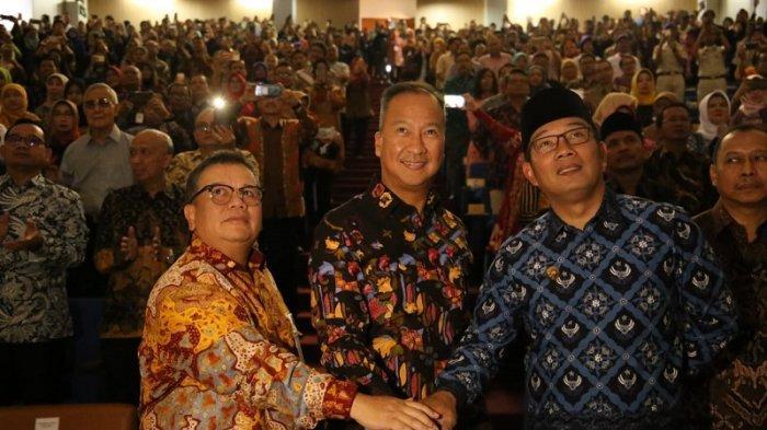 Resmikan Poltekesos Bandung, Mensos Tekan Pentingnya Kemampuan Alumni Rebut Kesempatan Kerja