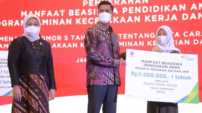 Menaker Serahkan Beasiswa Rp115,64 Miliar, untuk 10.451 Anak Ahli Waris Peserta BP Jamsostek