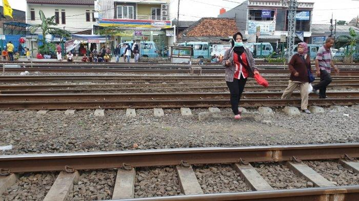 Swafoto di Samping Rel, Gadis Tangerang Ini Meninggal Disambar Kereta Jurusan Tanah Abang-Maja
