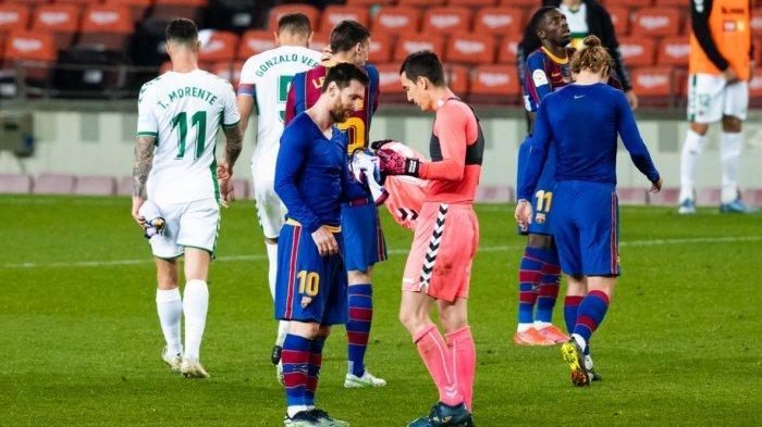 Kalahkan Elche 3-0, Lionel Messi Bawa Barcelona ke 3 Besar dan Jadi Topscorer Samai Luis Suarez
