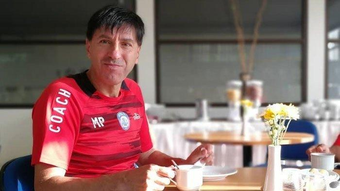 Mantan Pelatih Arema FC Milan Petrovic Senang Bisa Kembali ke Indonesia, Kini Tangani Badak Lampung