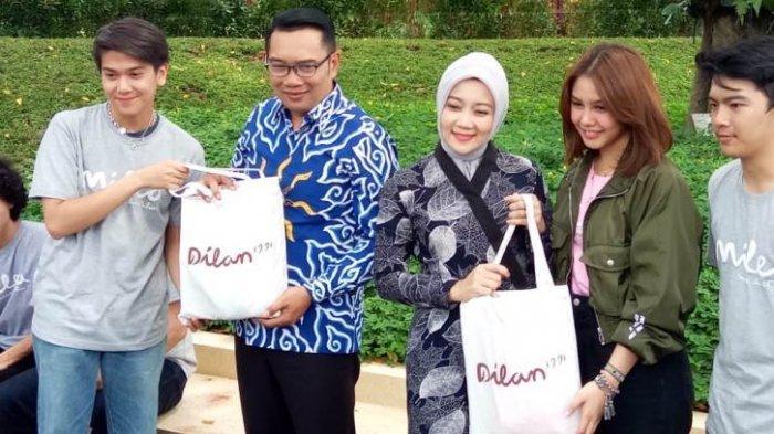 Akhir Trilogi Dilan Siap Diputar, Vanesha Prescilla dan Iqbaal Ramadhan Temui Gubernur Ridwan Kamil