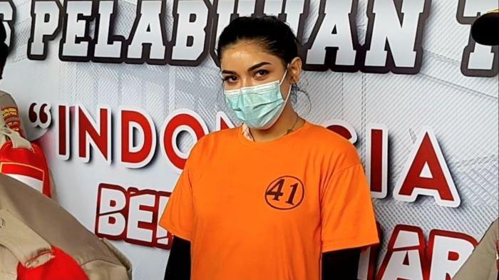 Di Penjara Gara-gara Narkoba, Ibu Millen Cyrus Ambruk Dilarikan ke RS, Kondisi Rahma Aisyah Memburuk