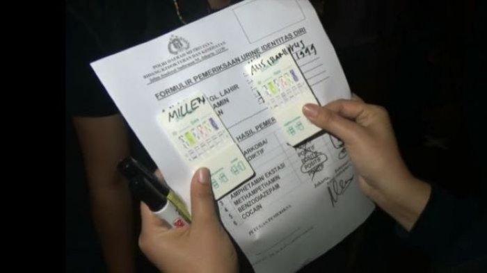 Hasil pemeriksaan Millen Cyrus saat diamankan Direktorat Reserse Narkoba Polda Metro Jaya ketika nongkrong di kafe di Jakarta Selatan, Sabtu (27/2/2021) malam. Urin Millen Cyrus dinyatakan positif benzodiazepam.