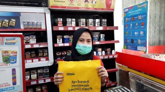 Pimpinan DPRD DKI Minta Anies Gencarkan Pemakaian Kantong Berbahan Singkong