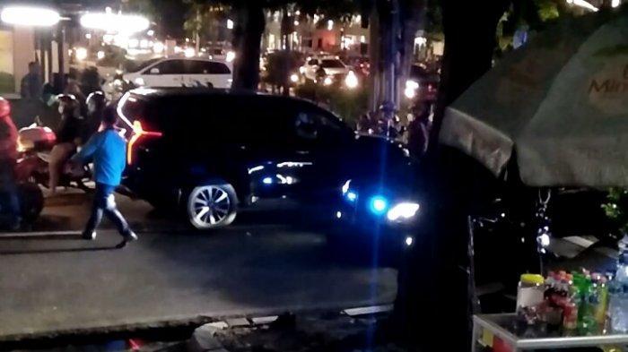 Nekat Lawan Arah, Iring-iringan Mobil Dinas RI 10 Diprotes Pengendara Pajero