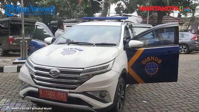 Mobil Operasional Dishub Kramat Jati Jadi Kendaraan Evakuasi Pasien Covid-19, Bisa Muat Empat Pasien
