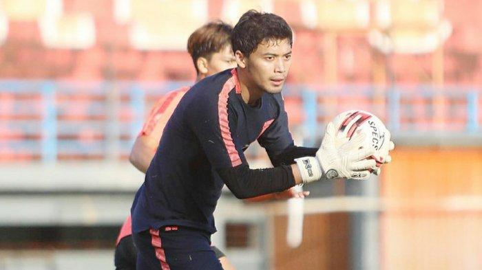 Kiper Mochammad Dicky Indrayana dilepas dan tidak diperpanjang kontraknya oleh manajemen Borneo FC Samarinda
