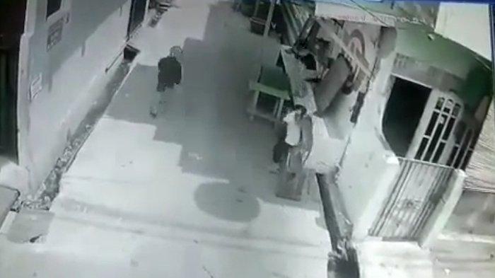 Viral Bocah 4 Tahun Diserang Monyet Liar di Palmerah, Mendapat 22 Jahitan di Kepala