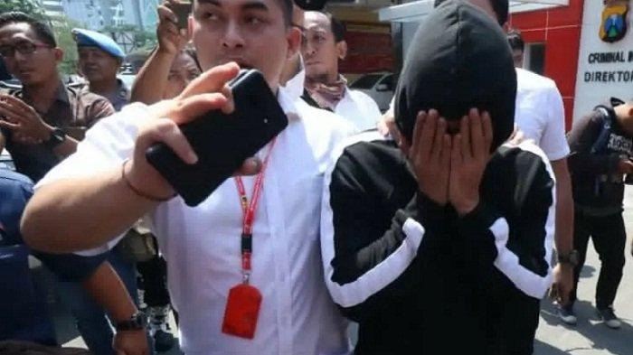 TERUNGKAP! Mucikari Prostitusi Putri Pariwisata Punya 100 Anak Buah