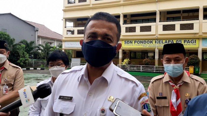 Wali Kota Jakarta Timur Muhammad Anwar Berkomitmen Menambah Rumah Panggung untuk Mengatasi Banjir