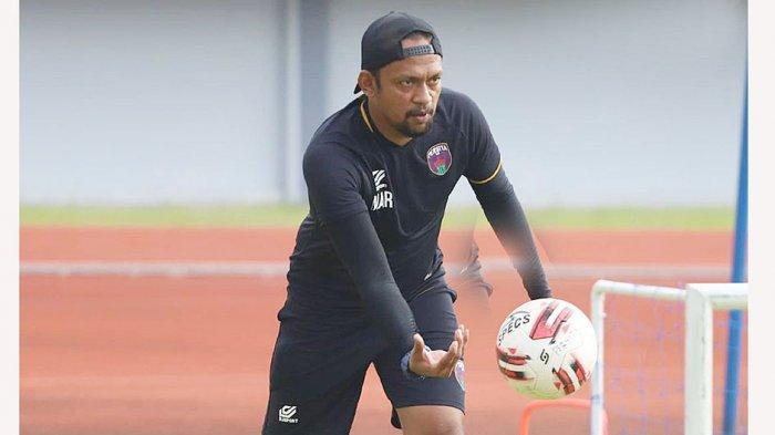 Mukti Ali Raja Pelatih Kiper Persita Tangerang, Tidak Ada Kiper Utama di Pendekar Cisadane
