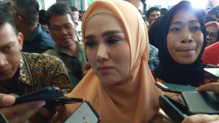 Mulan Jameela Ternyata Belum Laporkan Dugaan Gratifikasi Kacamata ke KPK, Sempat Mengaku Sudah Beres
