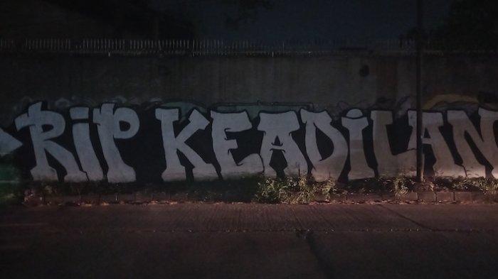 Viral Mural 'RIP Keadilan' di Kecamatan Periuk Tangerang, Siapa Sasaran yang Mau Disindir?