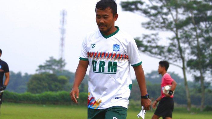 Kompetisi Liga 2 Vakum, Asisten Pelatih Perserang Mustopa Aji Terpaksa Main Tarkam