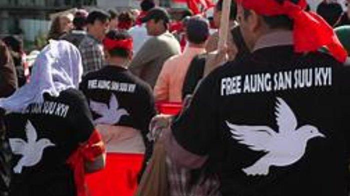 Militer Myanmar Blokir Akses Internet dan Menyita Antena TV Satelit Warga