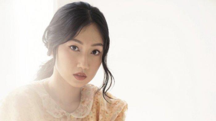 Suka Dengar Musik dan Sering Nonton Drama Korea, Nadiya Rawil Nyanyikan 'Satu di Antara Berjuta'